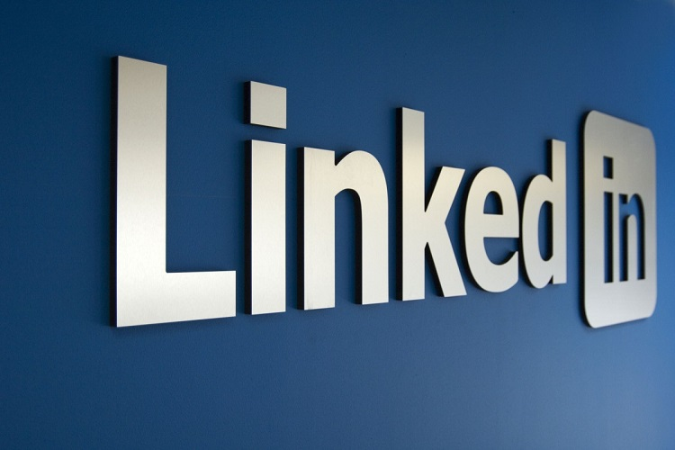 MHRD joins hands with LinkedIn to facilitate student placement